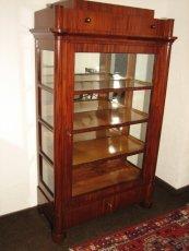 Vitrine - Mahagoni - Biedermeier  - Antik - Möbel - Antiquitäten